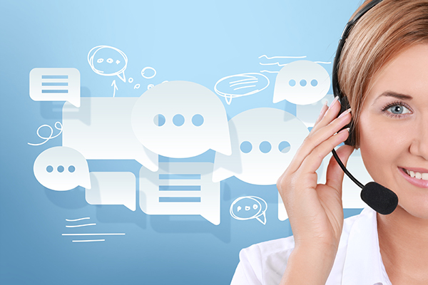 customer service rep managing multiple contact channels