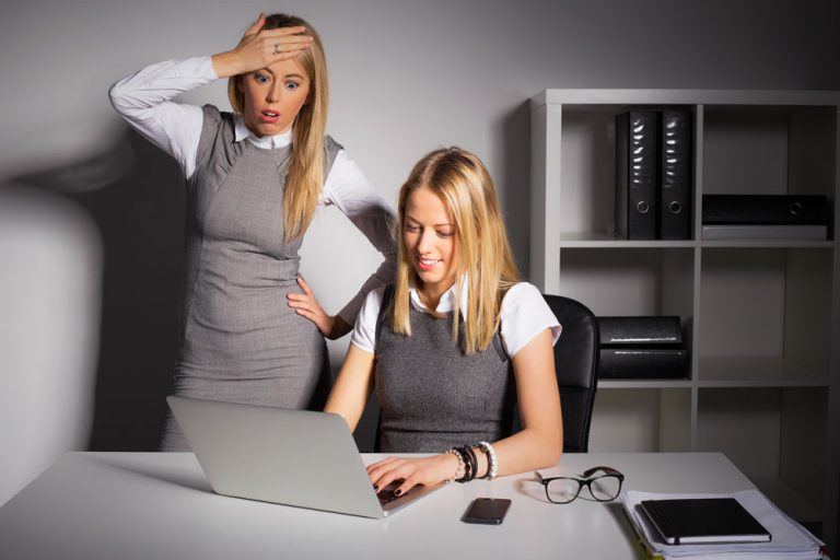 social media managers managing problems